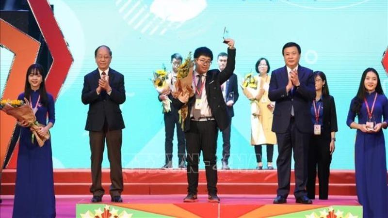 Đại hội đã tuyên dương 20 tài năng trẻ đại biểu cho 400 đại biểu trong và ngoài nước.