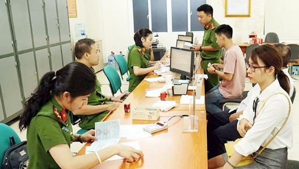 Hà Nội đẩy mạnh việc cấp thẻ căn cước công dân