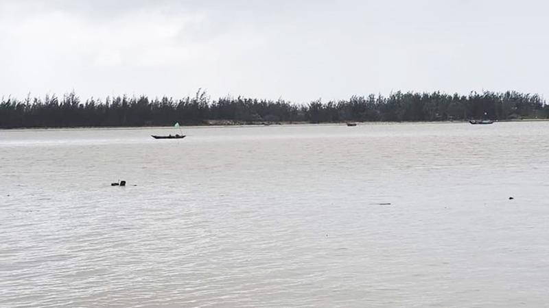 Sông Thu Bồn nơi 2 ngư dân mất tích.