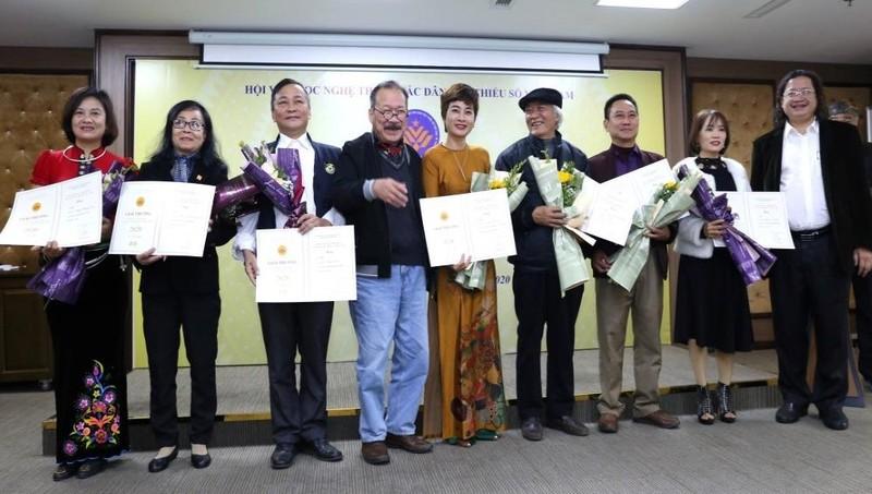 Trao Giải thưởng Văn học nghệ thuật các dân tộc thiểu số