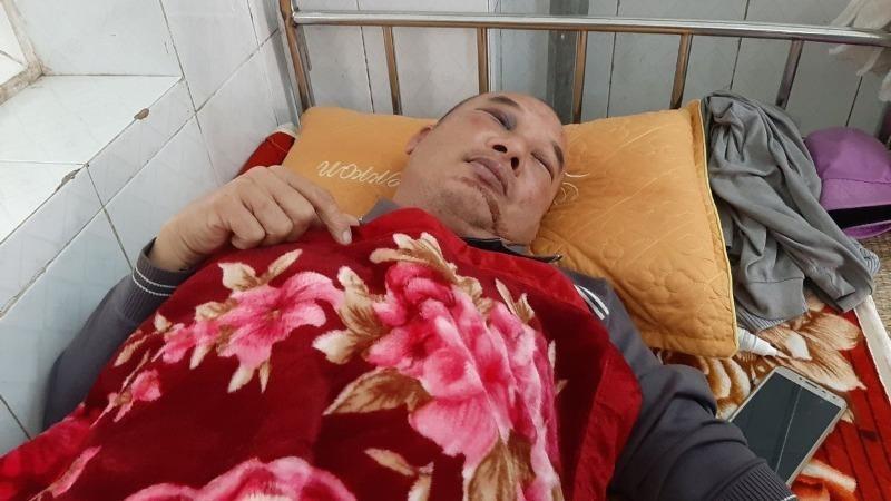 Tài xế xe taxi bị siết cổ trong đêm