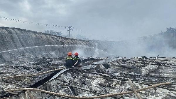 Cháy nhà xưởng công ty may, thiệt hại ước tính 10 tỷ đồng
