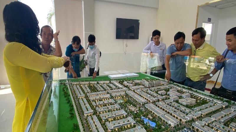 """Ở phân khúc đất dự án, một số """"đại gia"""" bất động sản cũng đã có mặt tại khu vực."""