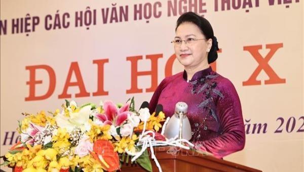 Chủ tịch Quốc hội Nguyễn Thị Kim Ngân phát biểu tại Đại hội.