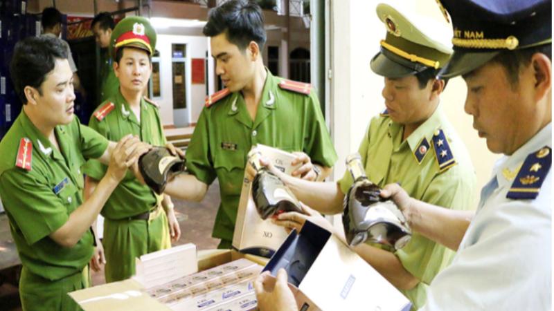 Tăng cường chống buôn lậu để bảo đảm thị trường Tết lành mạnh