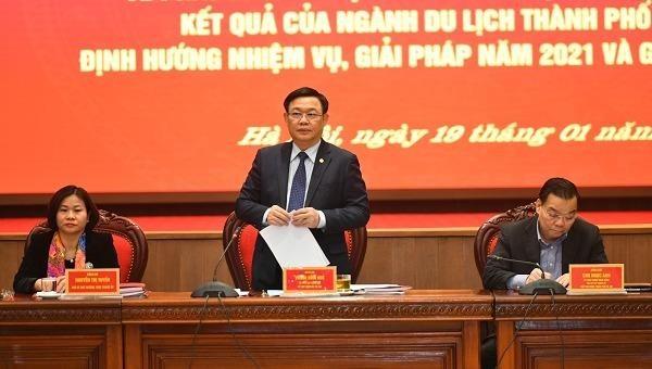 Bí thư Thành ủy Hà Nội Vương Đình Huệ phát biểu tại Hội nghị.