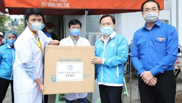 Khẩn cấp hỗ trợ 1,5 triệu khẩu trang y tế cho tuyến đầu chống dịch