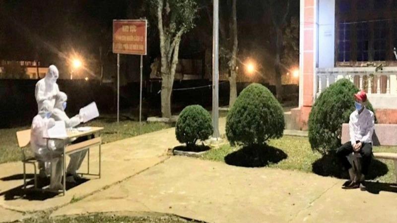 Xử phạt 2 nam thanh niên từ Hải Dương về, nhưng khai báo làm việc ở Hà Nội