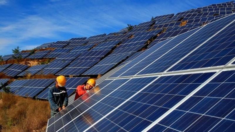 Không phát triển ồ ạt điện mặt trời theo phong trào