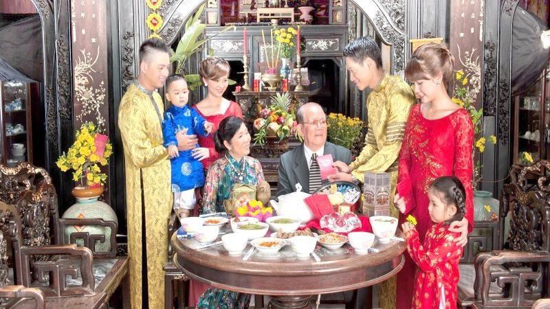 Ngày càng có nhiều người trẻ gốc Việt quay về với nguồn cội.