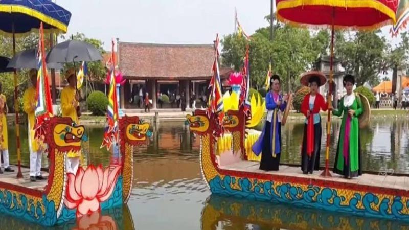Xem lại các chương trình lễ hội, du lịch qua màn ảnh nhỏ để vơi bớt nỗi nhớ quê hương, lễ hội truyền thống.