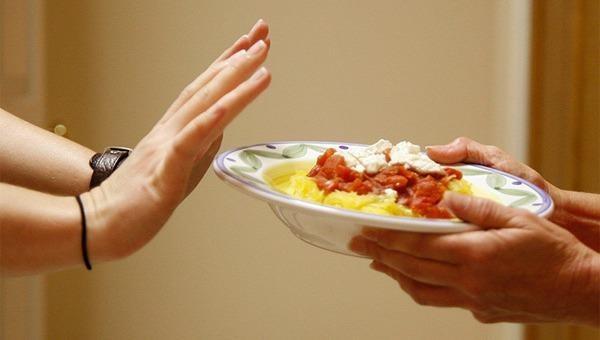 Nguy hiểm nhịn ăn giảm cân sau Tết