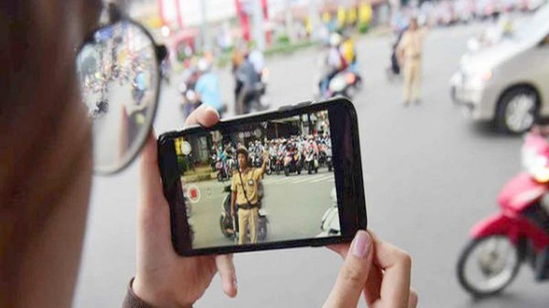 Người dân giám sát Cảnh sát giao thông ra sao cho đúng luật?