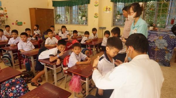 Trẻ em nông thôn được tiếp cận chăm sóc sức khỏe miễn phí