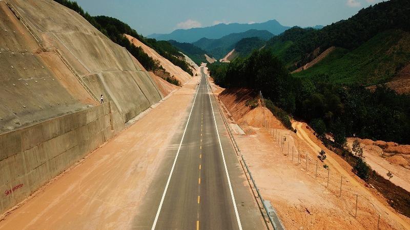 Cao tốc La Sơn - Túy Loan: Kỳ vọng đưa vào khai thác trong quý II/2021
