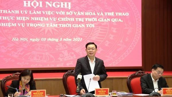 Ủy viên Bộ Chính trị, Bí thư Thành ủy Hà Nội Vương Đình Huệ phát biểu tại buổi làm việc.