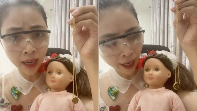 """Cộng đồng mạng lên án TikToker Thơ Nguyễn với clip """"xin vía học giỏi"""" từ búp bê"""
