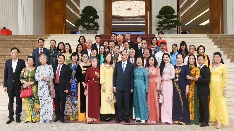 Thủ tướng cùng Ban Điều hành và các tập thể, cá nhân, nhà hảo tâm đã đồng hành cùng Quỹ Vừ A Dính.