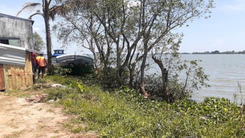 Tìm thấy thi thể 3 người trên sông Tiền