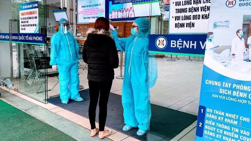 Hải Phòng sàng lọc, phân luồng bệnh nhân ngay từ cổng bệnh viện