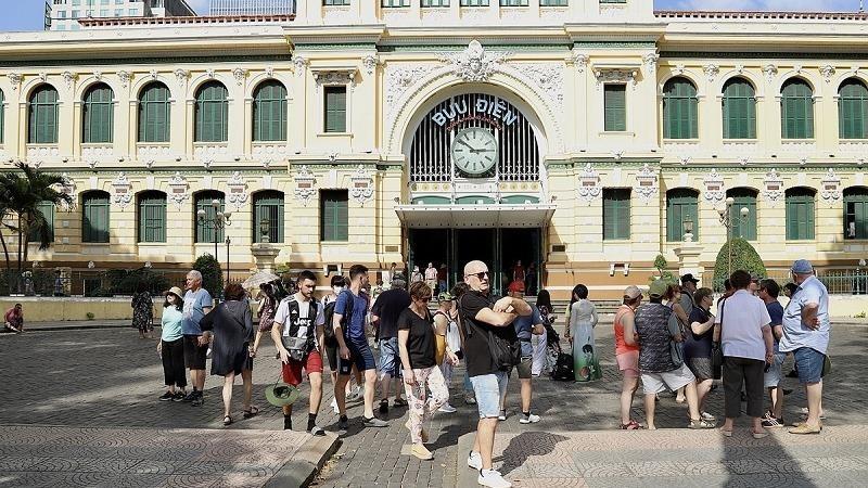 Việt Nam cần nhiều biện pháp tăng sức cạnh tranh trong du lịch quốc tế.