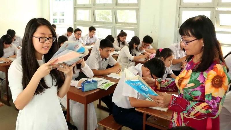 Bảo đảm việc tham gia của học sinh, gia đình và xã hội trong quản lý hoạt động giáo dục