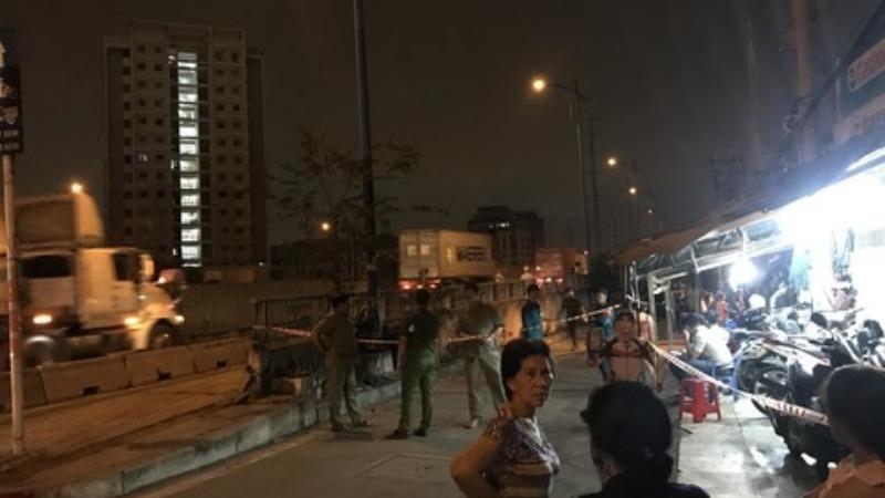 Cháy nhà lúc nửa đêm, 6 người trong gia đình tử vong
