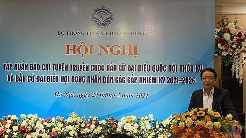 Thứ trưởng Thông tin và Truyền thông Hoàng Vĩnh Bảo phát biểu tại hội nghị.