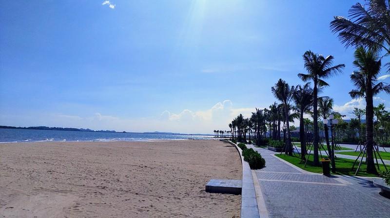 Bãi biển Marina Bay. Ảnh Báo Quảng Ninh.