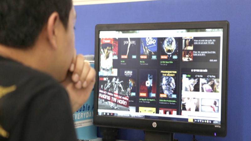 Nhiều phim có nội dung độc hại đang chiếu tràn lan trên các website lậu. Ảnh minh họa