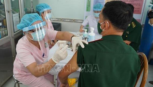 Tiêm vaccine Covid-19 cho chiến sĩ biên phòng Tây Ninh