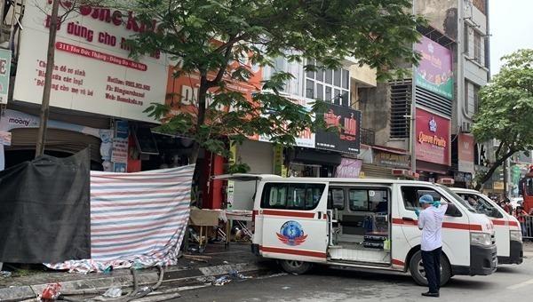 Hỏa hoạn xảy ra ở cửa hàng bán đồ sơ sinh khiến 4 người tử vong.