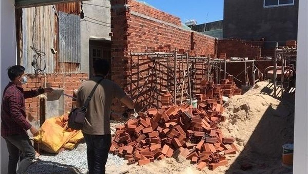 Một công trình xây dựng trái phép có sự bảo kê của nhân viên phụ trách xây dựng phường 11.