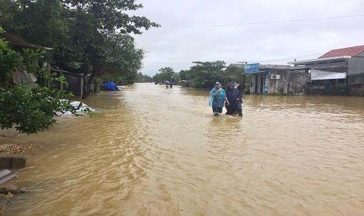 Mưa lớn đã làm cho nhiều vùng bị ngập sâu trong nước lũ