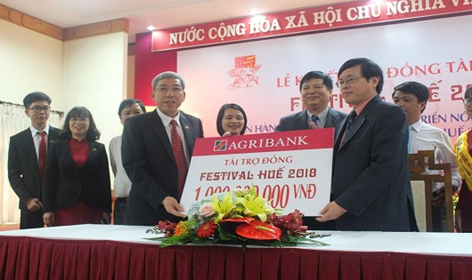Agribank tài trợ 1 tỷ đồng cho Festival Huế 2018