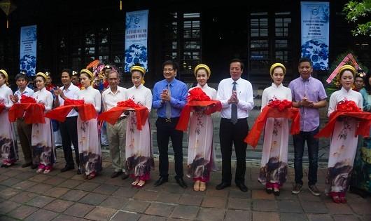 Chiêm ngưỡng đồ sứ ký kiểu thời Lê, Trịnh, Nguyễn