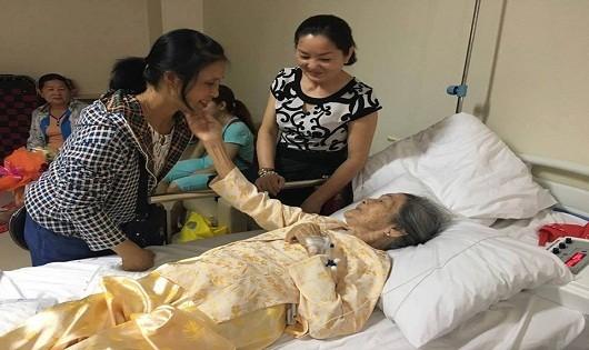 Ca phẫu thuật gãy xương thành công cho cụ bà Mai Thị Song.