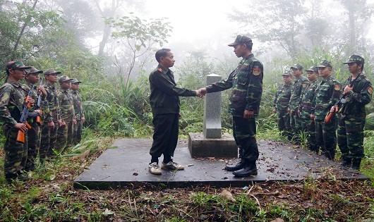 Đồn biên phòng Nhâm, Bộ đội tỉnh TT Huế và Bộ chỉ huy quân sự tỉnh Sê Kông tuần tra bên cột mốc 651