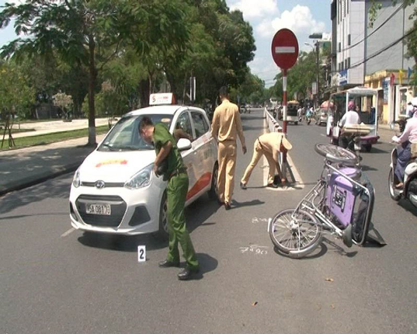 Làm rõ đối tượng lái xe gây tai nạn rồi bỏ trốn