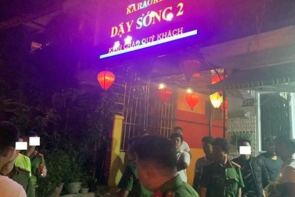 Phát hiện 25 người phê ma túy trong quán karaoke
