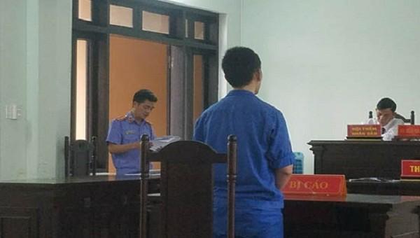 """Bị cáo Huỳnh Tấn Hòa nhận mức án 8 năm tù về tội danh """"Giết người"""""""