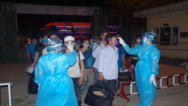 Thừa Thiên Huế tiếp nhận và cách ly hơn 1000 công dân trở về từ Lào