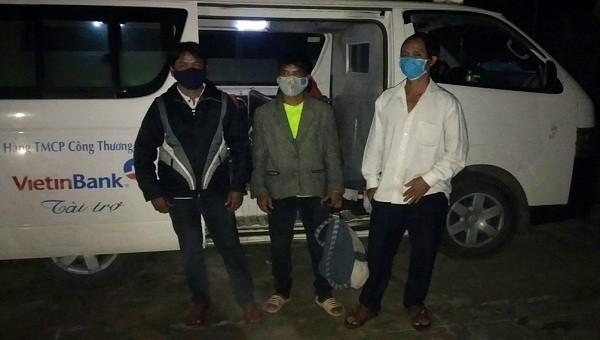Bàn giao 3 công dân vượt biên trái phép từ Lào về Việt Nam