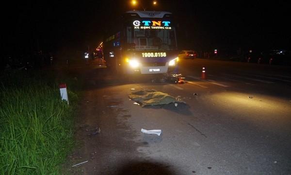 Ô tô va chạm xe máy ở TT - Huế, 1 người thiệt mạng