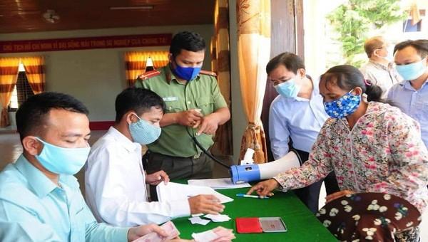 Thừa Thiên Huế đã chi trả hỗ trợ cho hơn 130.000 đối tượng gặp khó khăn do đại dịch Covid-19