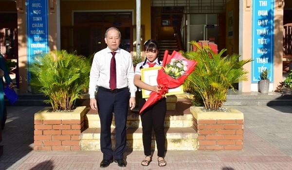 Nữ sinh Huế giành giải Nhất Cuộc thi Viết thư Quốc tế UPU