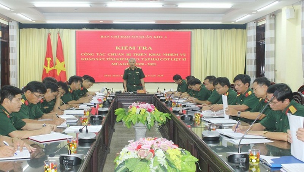 Thiếu tướng Nguyễn Đức Hóa, Phó Chính ủy, Trưởng ban Chỉ đạo 515 Quân khu 4 quán triệt nội dung kiểm tra.