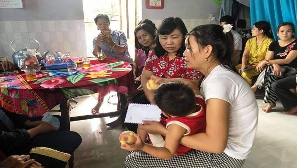 Ban Nội chính Tỉnh ủy Thừa Thiên Huế thăm hỏi, động viên người dân bị thiệt hại do lũ lụt