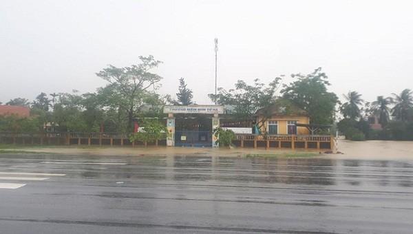 Thừa Thiên Huế tiếp tục cho học sinh nghỉ học phòng tránh bão số 9
