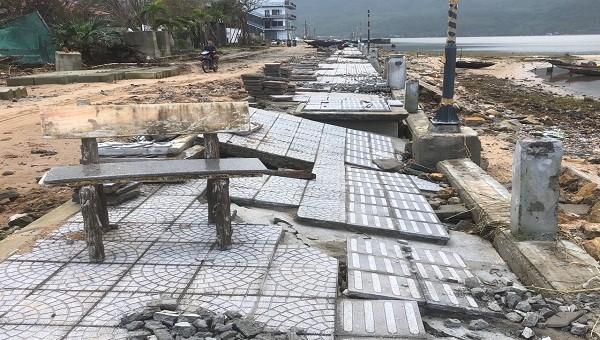 Thừa Thiên Huế: Dự án đường hơn 170 tỷ đồng tan nát sau mưa bão